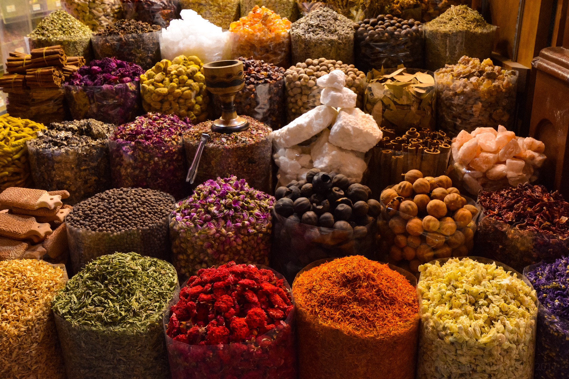Arabian spices in Dubai souk. Photo by Christophe Schindler from Pixabay